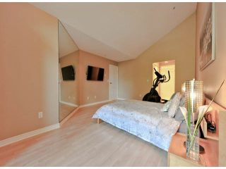"""Photo 10: 312 15272 20TH Avenue in Surrey: King George Corridor Condo for sale in """"Windsor Court"""" (South Surrey White Rock)  : MLS®# F1424168"""