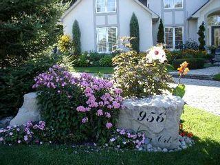 Photo 1: 956 Halsham Court in Mississauga: Clarkson House (2-Storey) for sale : MLS®# W2826365