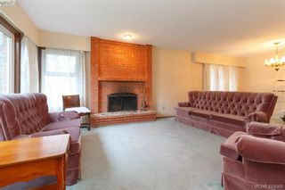 Photo 5: 3901 Lexington Ave in VICTORIA: SE Arbutus House for sale (Saanich East)  : MLS®# 835431