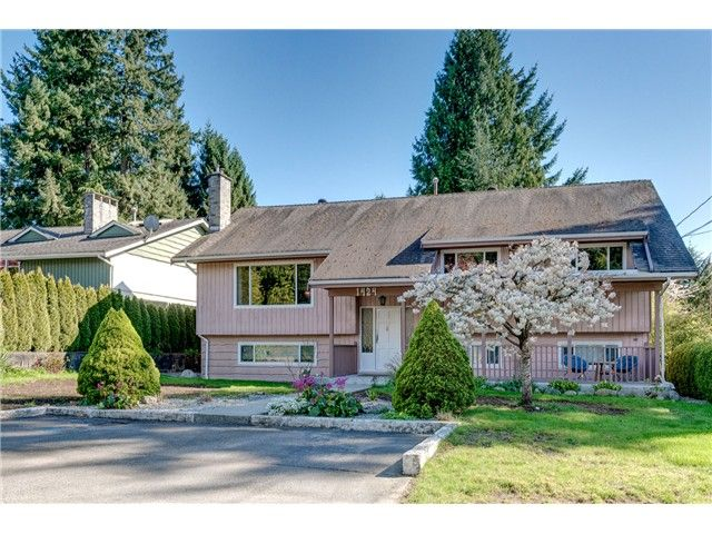 Main Photo: 1424 ROSS Avenue in Coquitlam: Central Coquitlam House for sale : MLS®# V1116916