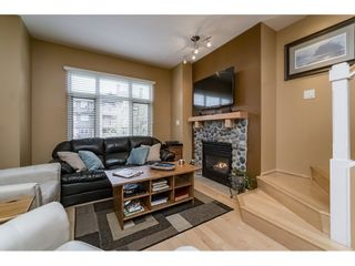 """Photo 8: 242 600 PARK Crescent in New Westminster: GlenBrooke North Townhouse for sale in """"THE ROYCROFT"""" : MLS®# R2158837"""