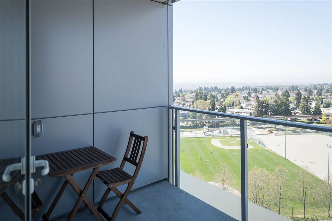 """Photo 16: Photos: 2106 6588 NELSON Avenue in Burnaby: Metrotown Condo for sale in """"The MET"""" (Burnaby South)  : MLS®# R2263344"""