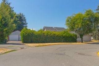 Photo 2: 475 Kinver St in : Es Saxe Point House for sale (Esquimalt)  : MLS®# 882740