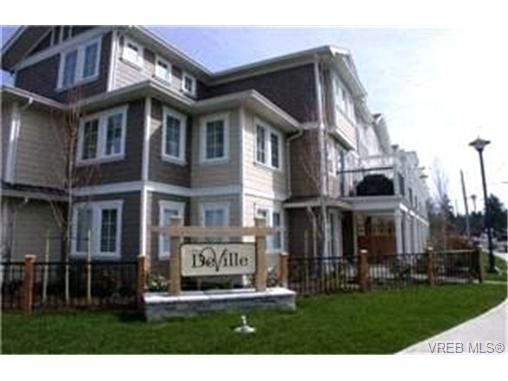 Main Photo:  in VICTORIA: La Langford Proper Row/Townhouse for sale (Langford)  : MLS®# 420111