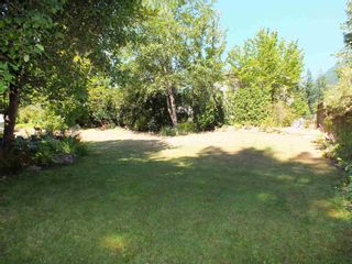 Photo 4: 65963 PARK Avenue in Hope: Hope Kawkawa Lake House for sale : MLS®# R2605889