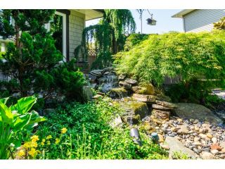 """Photo 2: 9734 206TH Street in Langley: Walnut Grove House for sale in """"Derby Hills"""" : MLS®# F1441883"""