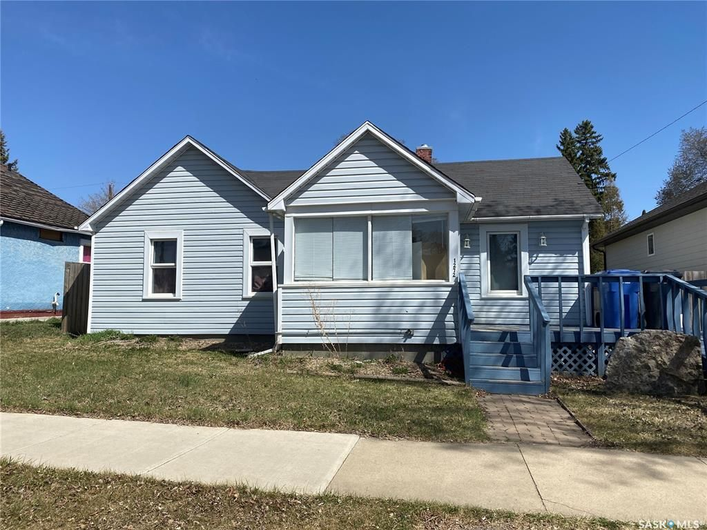 Main Photo: 1272 96th Street in North Battleford: Residential for sale : MLS®# SK854261