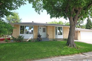 Main Photo: 212 Tremaine Avenue in Regina: Walsh Acres Residential for sale : MLS®# SK858698