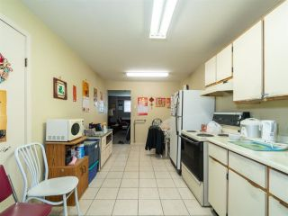 Photo 5: 2095 E 52ND Avenue in Vancouver: Killarney VE House for sale (Vancouver East)  : MLS®# R2585772