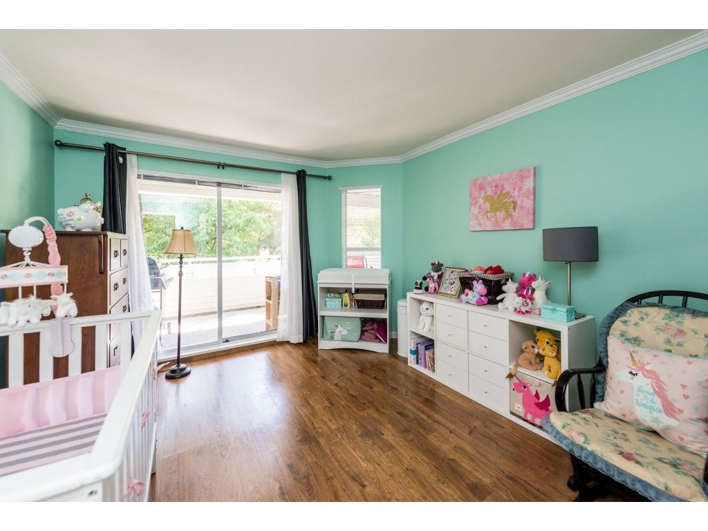 """Photo 12: Photos: 201 9626 148TH Street in Surrey: Guildford Condo for sale in """"Hartfood Woods"""" (North Surrey)  : MLS®# R2329881"""