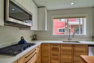 """Photo 3: 723 DOGWOOD & BLACKBERRY LANE Road in Gibsons: Gibsons & Area House for sale in """"Bay area"""" (Sunshine Coast)  : MLS®# R2593511"""
