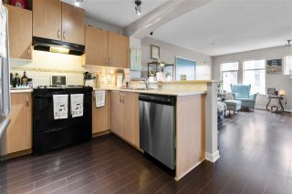 """Photo 4: 401 2988 SILVER SPRINGS Boulevard in Coquitlam: Westwood Plateau Condo for sale in """"TRILLIUM"""" : MLS®# R2578191"""