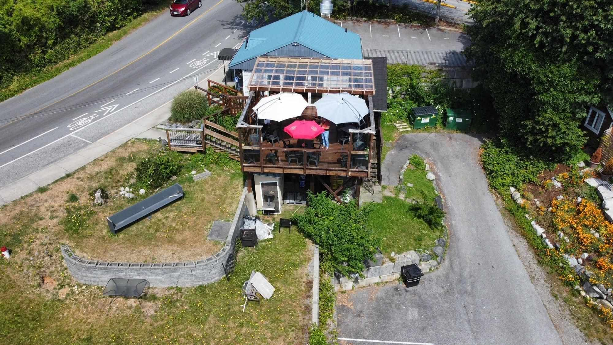 Main Photo: 546 GIBSONS Way in Gibsons: Gibsons & Area Retail for sale (Sunshine Coast)  : MLS®# C8038809