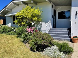 Photo 3: 150 Cornwallis Drive NW in Calgary: Cambrian Heights Detached for sale : MLS®# A1122258