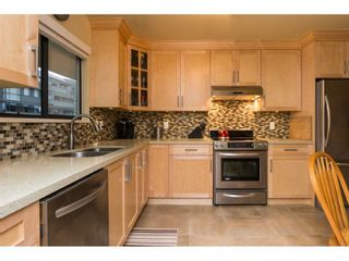 Photo 7: 619 1350 VIDAL STREET in South Surrey White Rock: White Rock Home for sale ()  : MLS®# R2125420
