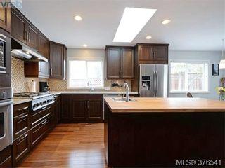 Photo 7: 4944 Haliburton Pl in VICTORIA: SE Cordova Bay House for sale (Saanich East)  : MLS®# 755988