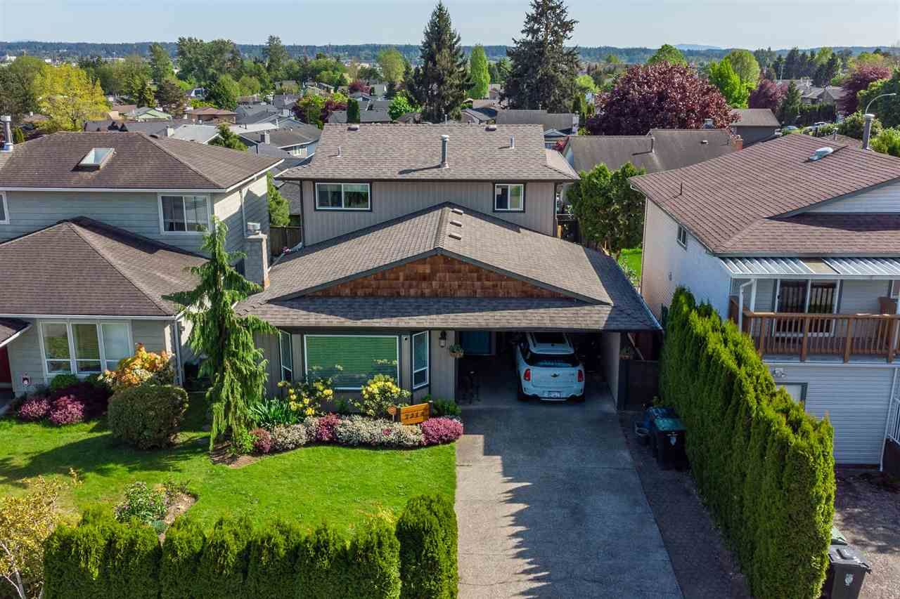 """Main Photo: 2314 WAKEFIELD Drive in Langley: Willoughby Heights House for sale in """"Langley Meadows"""" : MLS®# R2585438"""