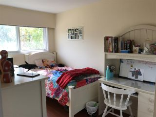 """Photo 11: 1326 COTTONWOOD Crescent in North Vancouver: Norgate House for sale in """"Norgate"""" : MLS®# R2199125"""