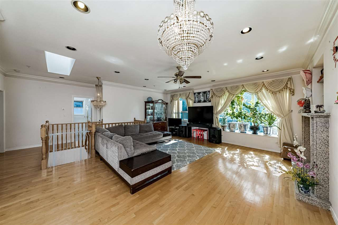 Main Photo: 3476 DIEPPE Drive in Vancouver: Renfrew Heights House for sale (Vancouver East)  : MLS®# R2588133