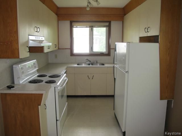 Photo 5: Photos:  in WINNIPEG: East Kildonan Residential for sale (North East Winnipeg)  : MLS®# 1414106