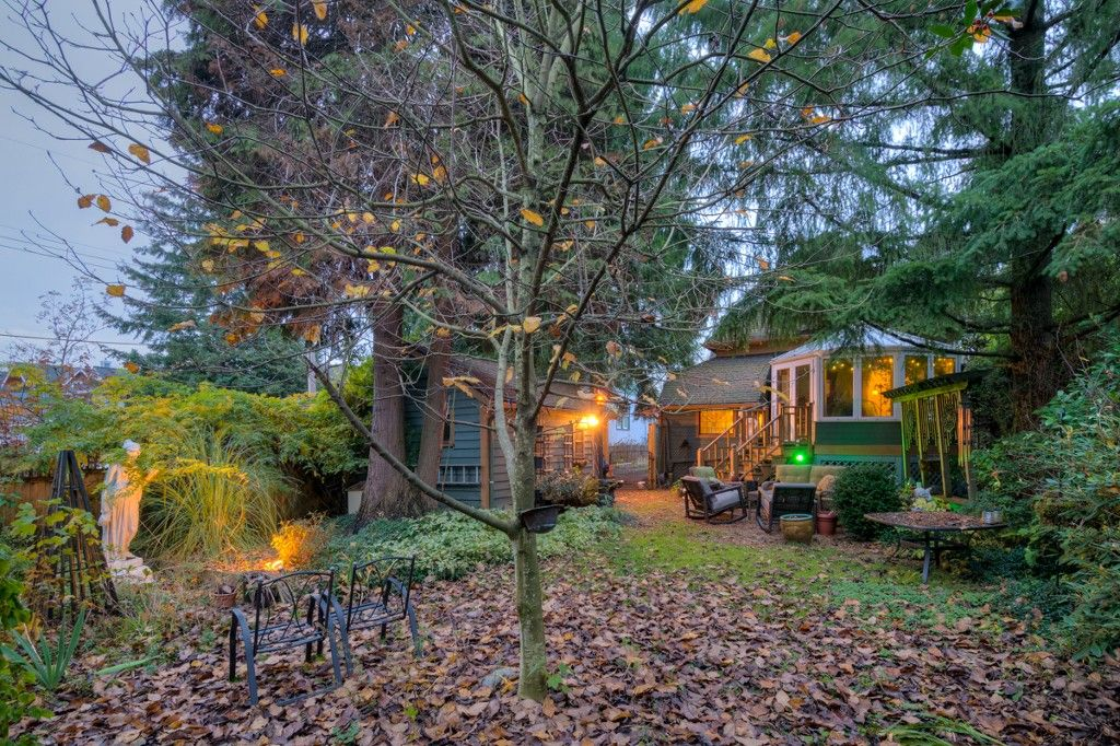 """Photo 88: Photos: 214 FOURTH Avenue in New Westminster: Queens Park House for sale in """"QUEENS PARK"""" : MLS®# R2136258"""