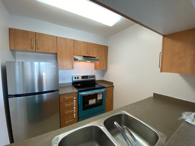 Photo 12: Photos: 1508-5380 Oben St in Vancouver: Collingwood Condo for rent (Vancouver East)