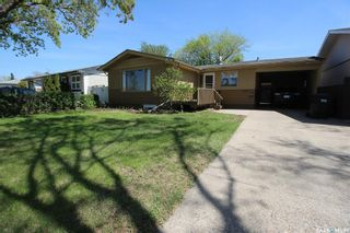 Photo 2: 450 Vancouver Avenue North in Saskatoon: Mount Royal SA Residential for sale : MLS®# SK860864