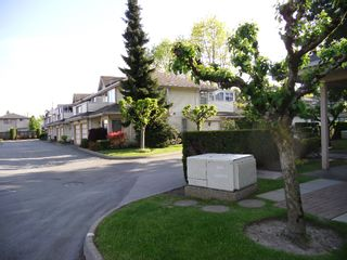 "Photo 11: 13 9965 151ST Street in Surrey: Guildford Townhouse for sale in ""Spencer's Gate"" (North Surrey)  : MLS®# F1213452"