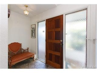 Photo 2: 1206 Highrock Ave in VICTORIA: Es Rockheights House for sale (Esquimalt)  : MLS®# 655178