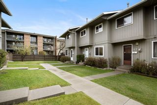 Photo 2: 16 6503 Ranchview Drive NW in Calgary: Ranchlands Row/Townhouse for sale : MLS®# A1112053