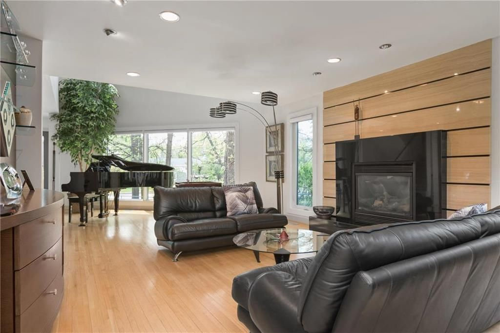 Photo 7: Photos: 97 Woodlawn Avenue in Winnipeg: Residential for sale (2C)  : MLS®# 202011539