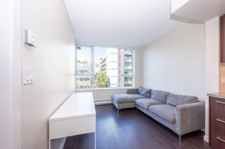 """Photo 3: 557 108 W 1ST Avenue in Vancouver: False Creek Condo for sale in """"WALL CENTRE"""" (Vancouver West)  : MLS®# R2614922"""