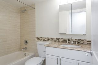 Photo 11: 1104 555 13TH STREET in West Vancouver: Ambleside Condo for sale : MLS®# R2222170