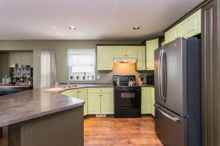 "Photo 8: 34637 7 Avenue in Abbotsford: Poplar House for sale in ""Huntingdon Village"" : MLS®# R2538064"