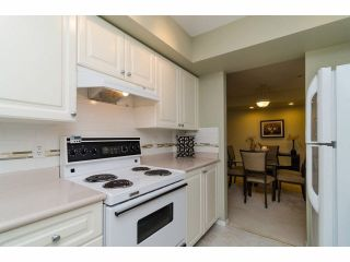 """Photo 8: 49 103 PARKSIDE Drive in Port Moody: Heritage Mountain Townhouse for sale in """"TREETOPS"""" : MLS®# V1065898"""