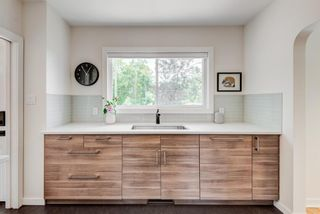 Photo 9: 5404 Thornton Road NW in Calgary: Thorncliffe Detached for sale : MLS®# A1120570
