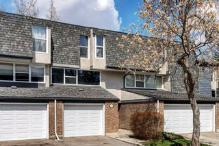 Main Photo: 441 Brae Glen Crescent SW in Calgary: Braeside Row/Townhouse for sale : MLS®# A1071518