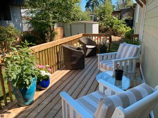 """Photo 4: 177 1413 SUNSHINE COAST Highway in Gibsons: Gibsons & Area Manufactured Home for sale in """"THE POPLARS"""" (Sunshine Coast)  : MLS®# R2604177"""