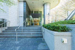 """Photo 19: 807 590 NICOLA Street in Vancouver: Coal Harbour Condo for sale in """"Cascina"""" (Vancouver West)  : MLS®# R2053139"""