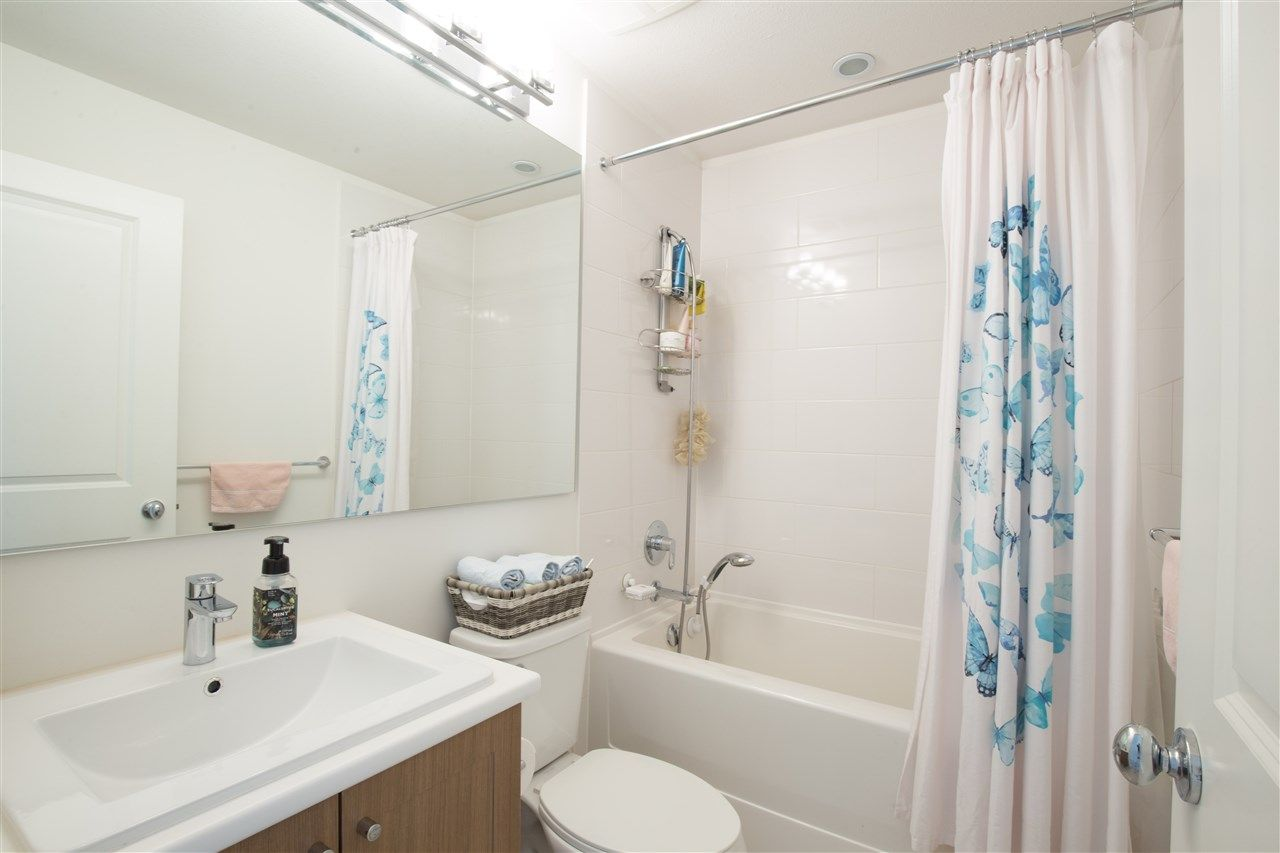 """Photo 11: Photos: 90 8438 207A Street in Langley: Willoughby Heights Townhouse for sale in """"YORK BY MOSAIC"""" : MLS®# R2352607"""