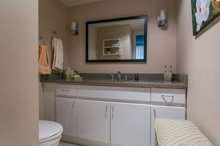 """Photo 15: 801 555 13TH Street in West Vancouver: Ambleside Condo for sale in """"PARKVIEW TOWERS"""" : MLS®# R2105654"""