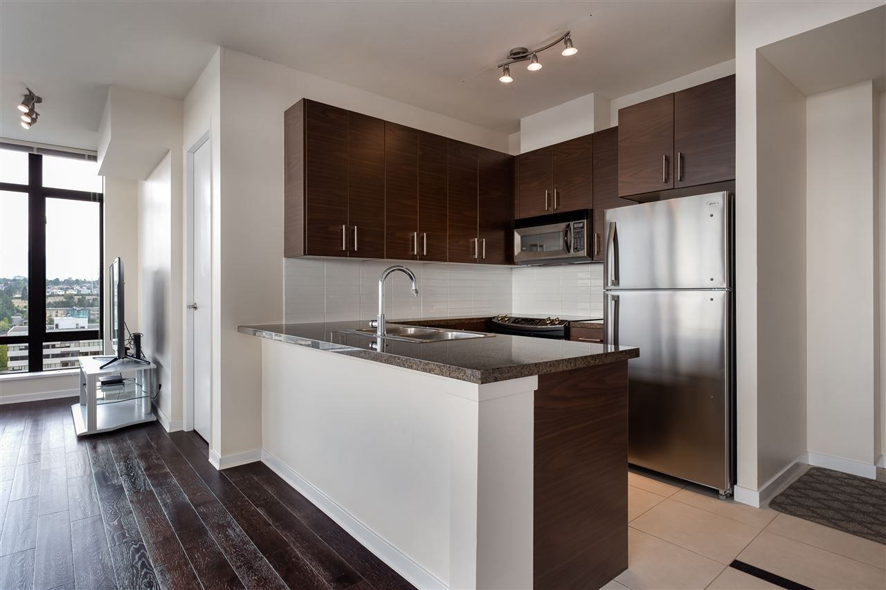 """Photo 6: Photos: 1704 2345 MADISON Avenue in Burnaby: Brentwood Park Condo for sale in """"OMA"""" (Burnaby North)  : MLS®# R2302453"""