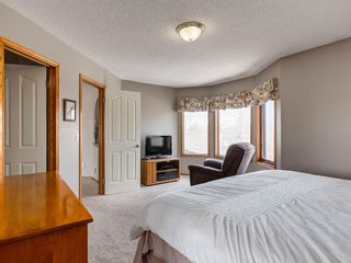 Photo 15: 304 RIVERVIEW Close SE in Calgary: Riverbend Detached for sale : MLS®# C4242495