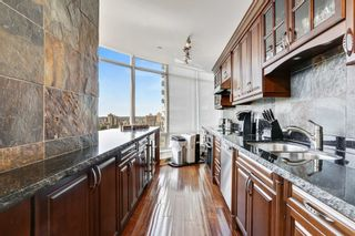 """Photo 4: 2301 1200 ALBERNI Street in Vancouver: West End VW Condo for sale in """"PALISADES"""" (Vancouver West)  : MLS®# R2605093"""