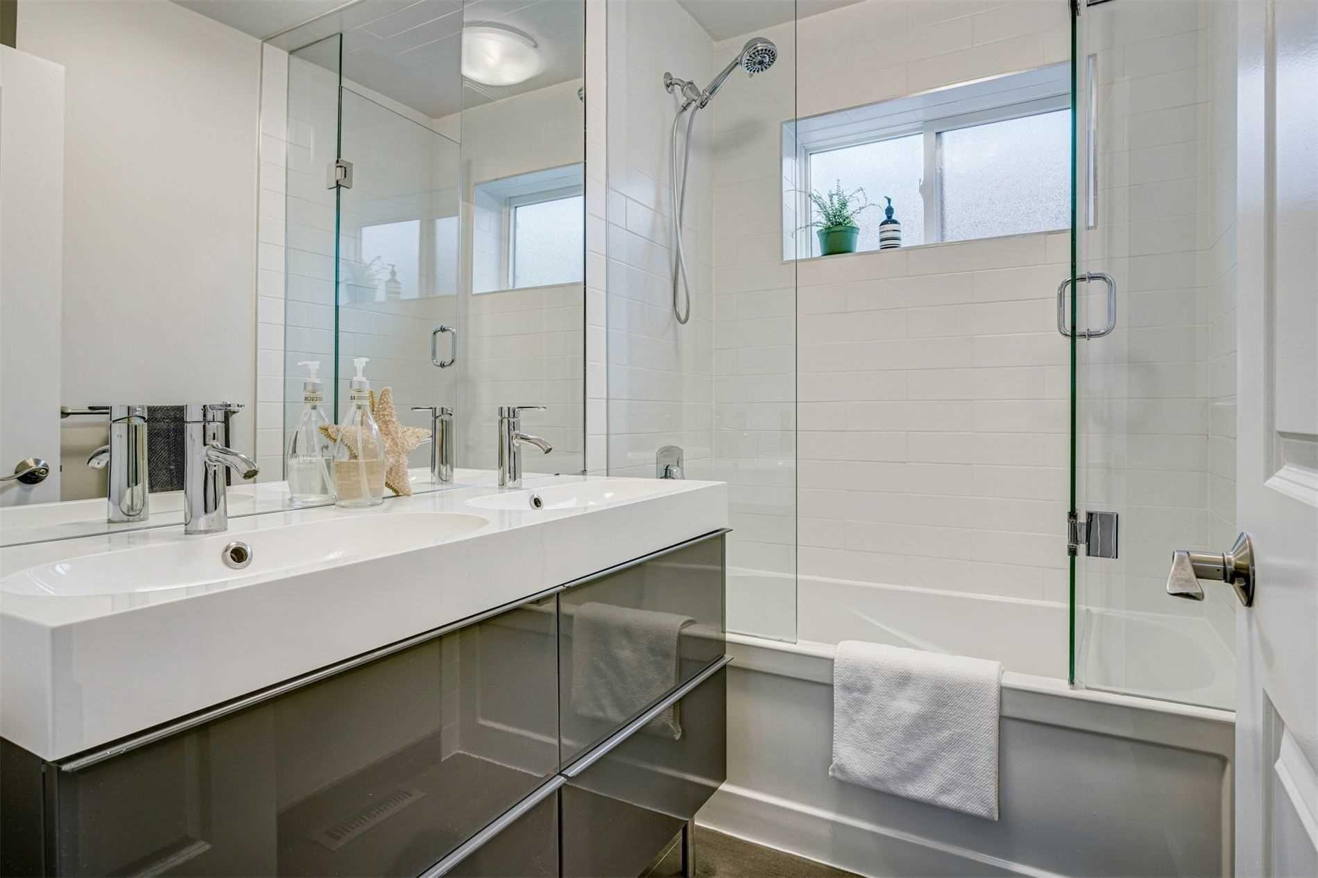 Photo 21: Photos: 92 Holborne Avenue in Toronto: Danforth Village-East York House (2-Storey) for sale (Toronto E03)  : MLS®# E5204452