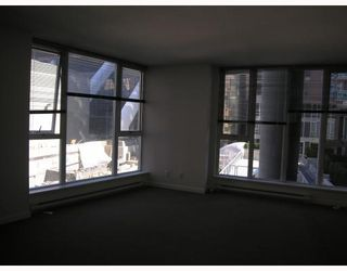 """Photo 3: 511 788 HAMILTON Street in Vancouver: Downtown VW Condo for sale in """"TV TOWER 1"""" (Vancouver West)  : MLS®# V785901"""