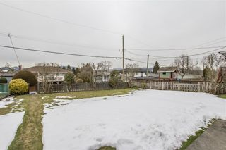 Photo 12: 5735 LAUREL Street in Burnaby: Central BN House for sale (Burnaby North)  : MLS®# R2343643
