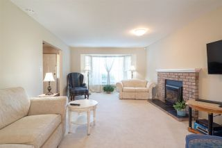"""Photo 3: 15542 98A Avenue in Surrey: Guildford House for sale in """"Briarwood"""" (North Surrey)  : MLS®# R2303432"""