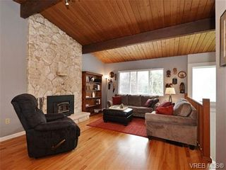 Photo 2: VICTORIA REAL ESTATE For Sale = QUADRA HOME For Sale SOLD With Ann Watley