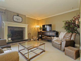 Photo 3: 29 1480 Garnet Rd in VICTORIA: SE Cedar Hill Row/Townhouse for sale (Saanich East)  : MLS®# 781357